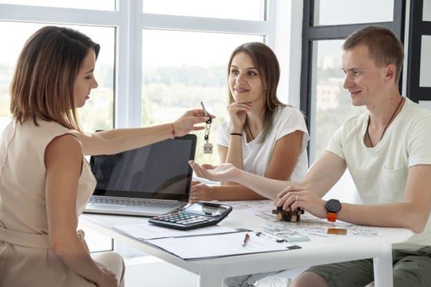 Как продать квартиру без согласия супруги(а), с несовершеннолетним собственником?