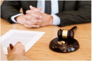 Юридическая помощь при расторжении брака - картинка